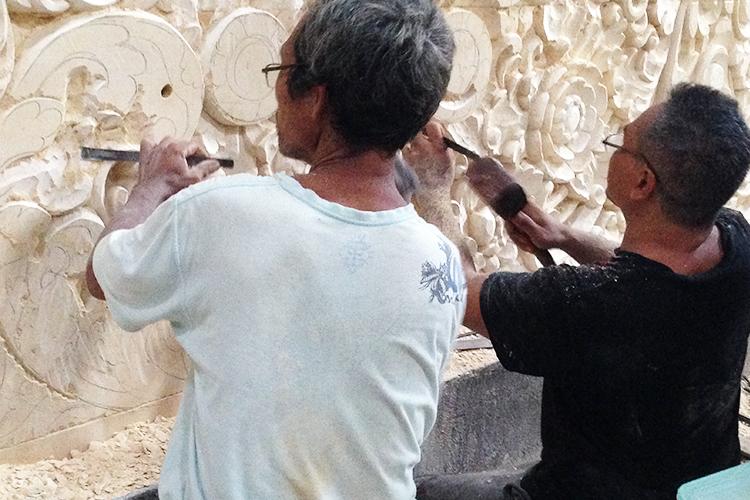 バリ島の白い石像 カービングストーン